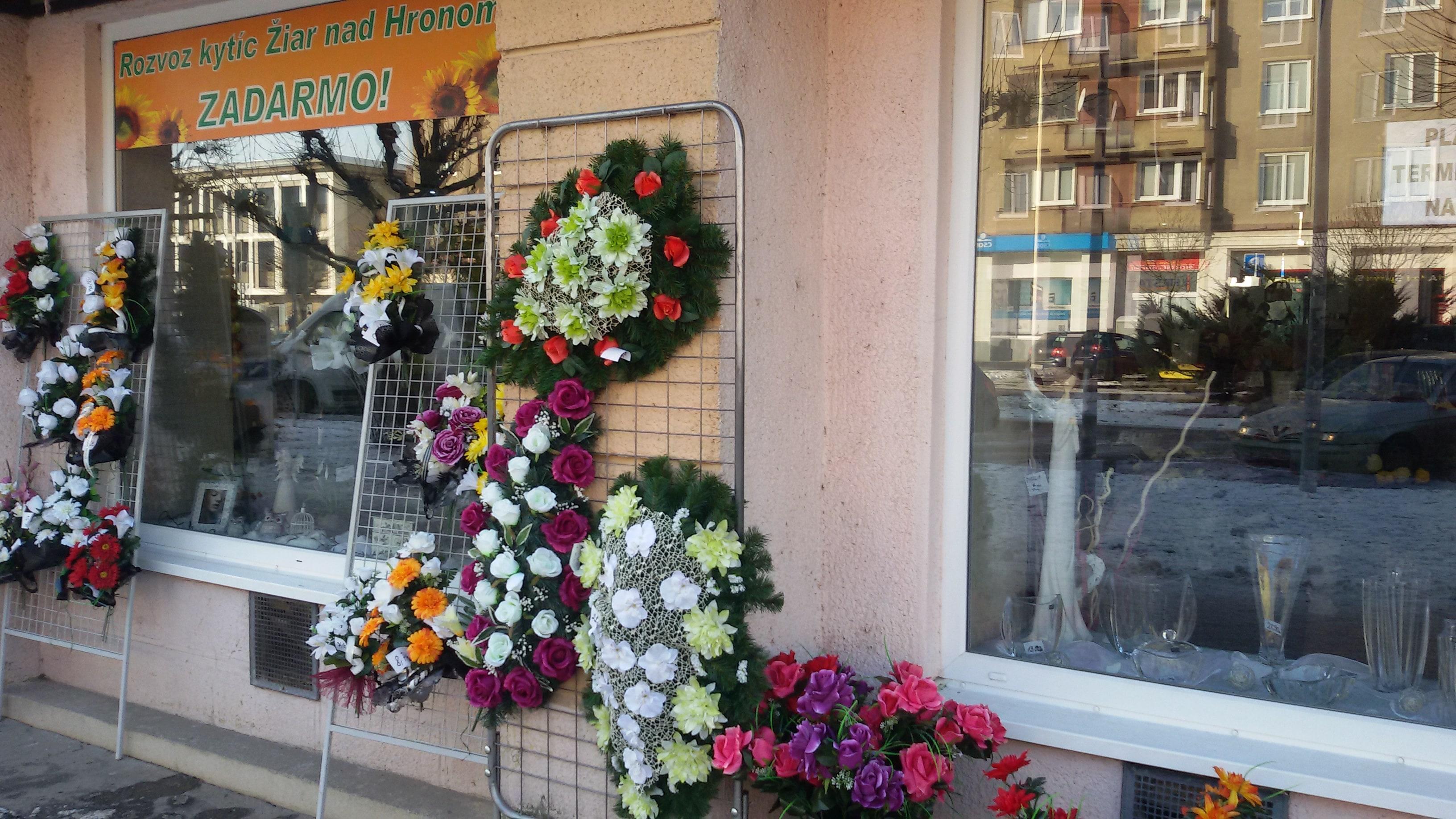 28ae4c6dc Donáška kvetov po celom Slovensku zadarmo